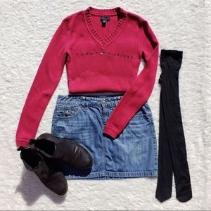 Tommy Hilfiger ~Vintage 90s Maroon Logo Sweater~XS